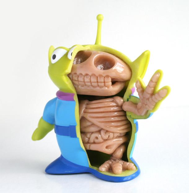 Toy-Story-Alien-Anatomie-Jason-Freeny-Sculpture-Geekorner